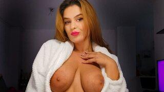 LayllaVannie