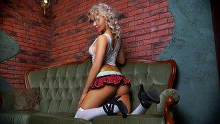 blondyasianX